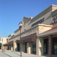 Retail - R - Royal Oaks
