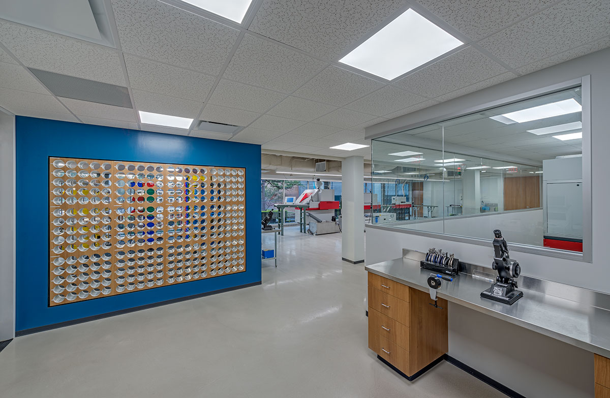 Houston Eye Associates Optical Lab